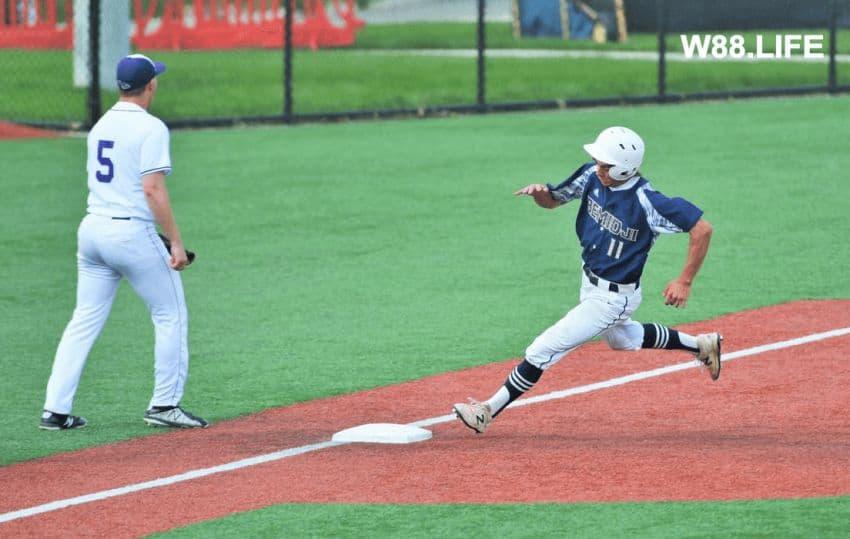 cầu thủ chạy gôn runner bóng chày