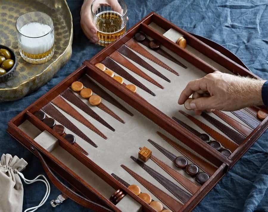 game cờ backgammon là gì