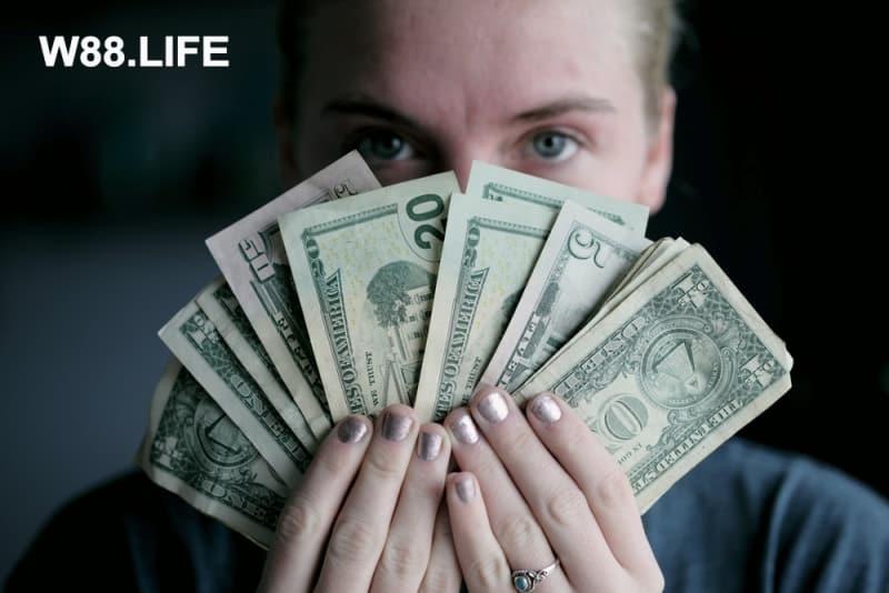 Nằm mơ thấy TIỀN đánh số mấy? Giấc mơ về các loại tiền